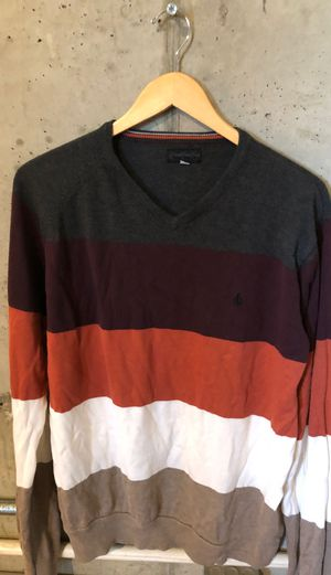 Volcom sweater L for Sale in Fresno, CA