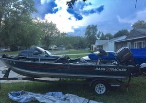 1989 Bass Tracker V17 17ft. Sold as is. for Sale in Richton Park, IL