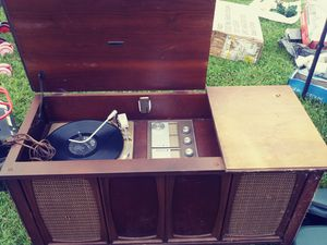 Zenith model Z910 record player for Sale in Camp Hill, PA