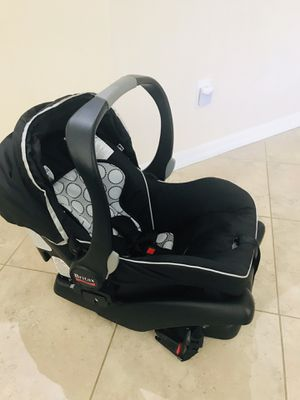 Britax car seat with base for Sale in Melbourne Village, FL