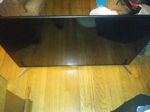 68 inch spectre flat screen tv with stands for Sale in Berkeley, CA