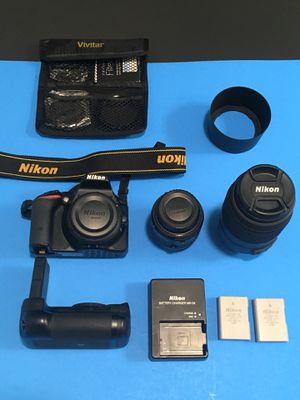 Nikon D5500 24.2 MP+2 lenses+battery Grip+ 2 Bat+ Bag+ Filters Kit. for Sale in Miami, FL