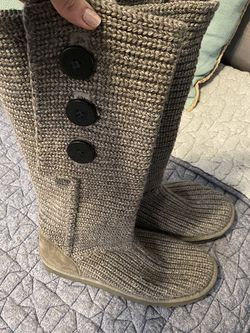 UGG Women's Knot Boots for Sale in Henderson,  NV