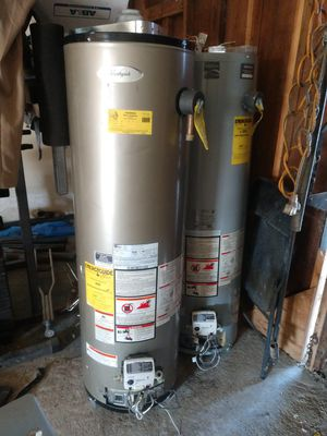 Nat gas 40 gallon water heater (refurbished) for Sale in Fresno, CA