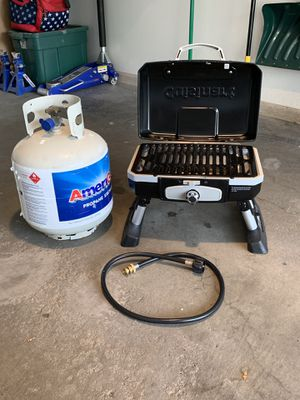 Portable Grill, Cuisinart, whole set up for Sale in White Bear Lake, MN