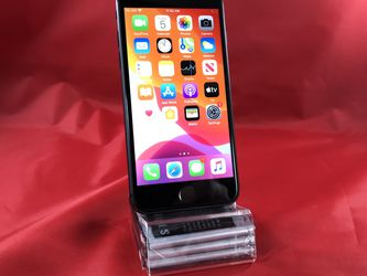 iPhone 8 64GB Gray Unlocked for Sale in Kent,  WA