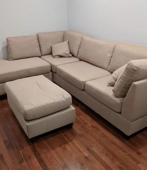 Sand sectional sofa (ottoman included) reversible chaise for Sale in La Puente, CA