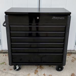"Snap-On 40"" Six-Drawer Roll Cart (Gloss Black w/ Blackout) (KRSC46HBFI) for Sale in Hurst, TX"