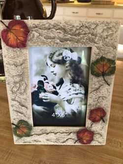 Decor - New 4x6 Picture Frame for Sale in Colleyville,  TX