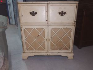 Antique cabinet radio for Sale in Aloma, FL