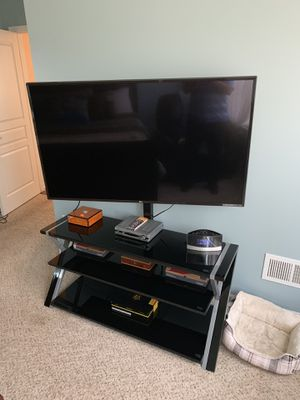 55 inch LG TV with stand for Sale in Flat Rock, MI