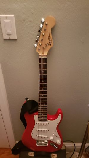 Mini fender with fender amp for Sale in Richmond, CA