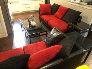 Couch and tables / living room set for Sale in Fort Worth, TX