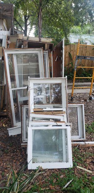 Free wood windows for Sale in Tampa, FL