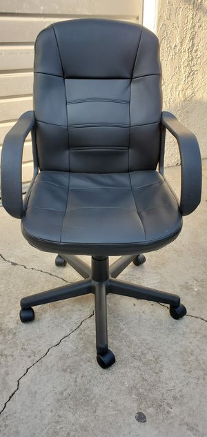 Like NEW Black Office Chair $53.00 for Sale in Gardena, CA