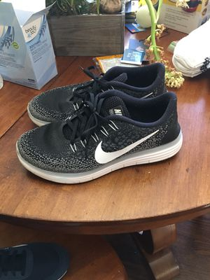 Size 8 1/2 Nike running shoes for Sale in Irving, TX