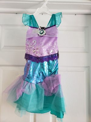 Mermaids size 3T Halloween costumes with crown for Sale in Los Angeles, CA