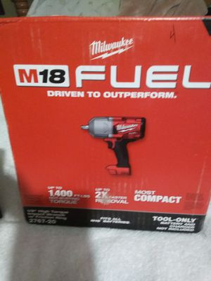 New Milwaukee M18 fuell high torque impact wrench set for Sale in Dinuba, CA