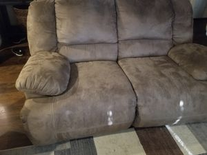 Newled to sell ASAP! Reclining sofa and loveseat for Sale in Grape Creek, TX