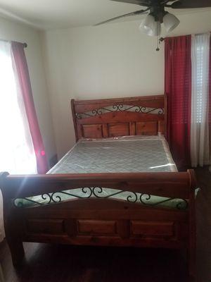 Bed & dresser for Sale in Fresno, CA