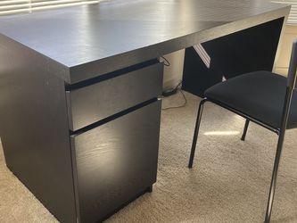 IKEA MALM Work Desk for Sale in Seattle,  WA