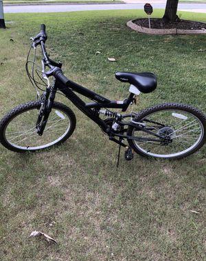 24 mountain bike like brand new for Sale in Atlanta, GA