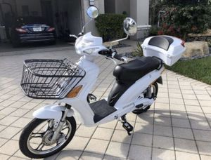 Superfly electric scooter electric bike electric bicycle electric motorcycle moped ebike by AmericanElectric Vespa Kawasaki Tao Yamaha Honda bmw Mini for Sale in Miami Beach, FL