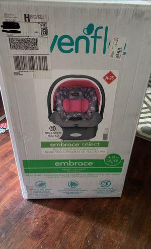 Infant girls car seat for Sale in Nashville, TN