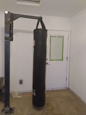 "Title 6"" Heavy Bag, Pole, and Speed Bag for Sale in Mesa, AZ"