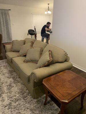 Living room/couch/coffee table for Sale in Pensacola, FL