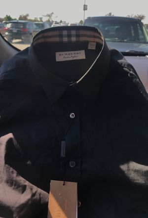 Medium Burberry shirt for Sale in Columbus, OH