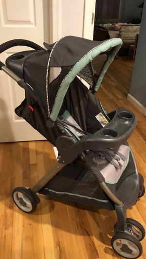 Graco Classic connect stroller for Sale in Jersey City, NJ