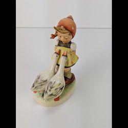 """Vintage Goose Girl Goebel Hummel Figurine 4.5"""" TMK-6 for Sale in Portland,  OR"""
