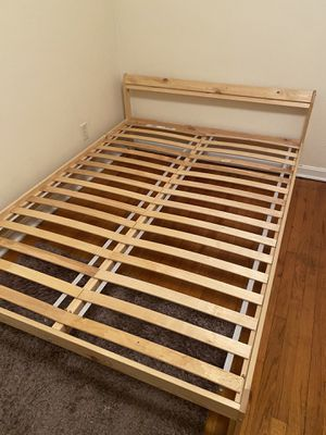 Bed frame. Size: Full for Sale in Pittsburgh, PA