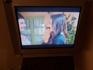 Free:Sony Triniton 32 inch tube style tv for Sale in San Diego, CA