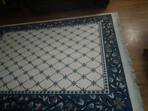 nice rug 5ft2 × 7ft 2 for Sale in Sacramento, CA