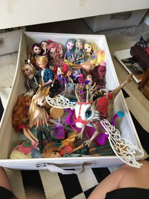 Ever after high doll bundle for Sale in Mill Creek, WA