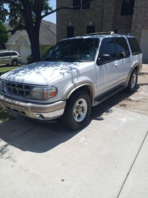 Ford explorer Eddie Bauer for Sale in Round Rock, TX
