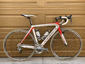 Orbea Onix 56cm full carbon road bike Shimano Ultegra components Shimano SPD pedals for Sale in Irvine, CA