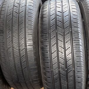 Set Of 4 Matching Tires Continental All Season Size 215/55R17 for Sale in Chicago, IL