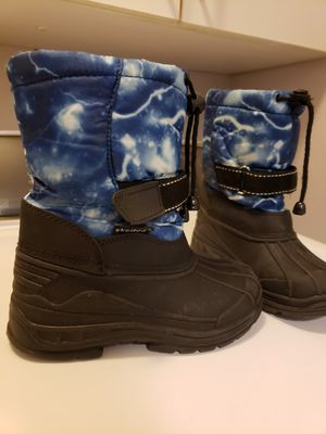 Kids snow boots size 11 for Sale in Concord, NC