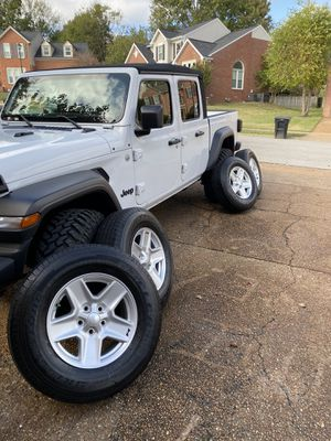"""27"""" Jeep tires and wheels for Sale in Franklin, TN"""