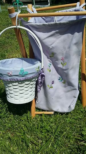 Purple Butterfly and Flower Laundry Hamper and Trash can set for Sale in Hampton, VA