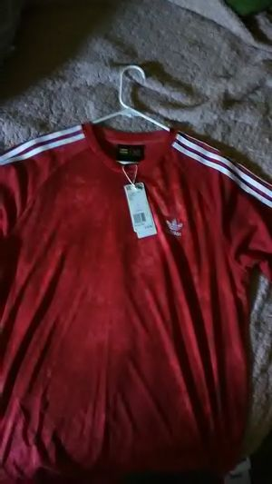Adidas tee for Sale in Riverside, CA