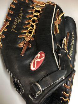 Rawlings Heart Of The Hide Glove for Sale in Oceanside,  CA