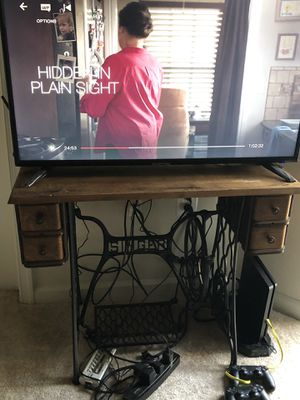 Desk/TV Stand for Sale in Rockville, MD