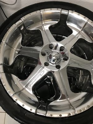 24s only rims highest offer takes them need them out today for Sale in Houston, TX