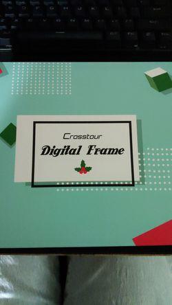 Crosstour Digital Frame for Sale in Edmonds,  WA