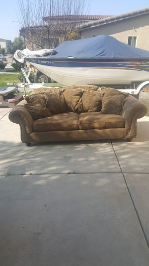FREE COUCHES/SOFAS/ for Sale in Parlier, CA