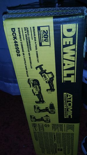 4 price 20v atomic compact series dewalt tool set for Sale in Poulsbo, WA
